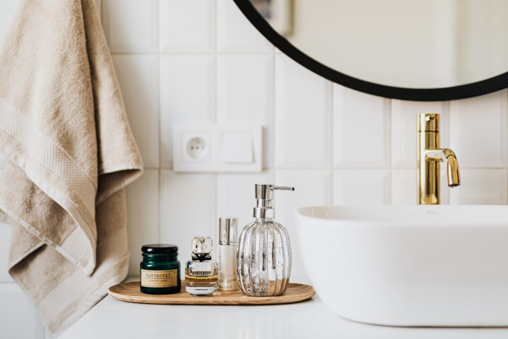 how to get rid of mold from bathroom